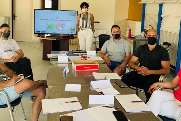 psicologos-psicologas-talleres-cursos-formacion-inteligencia-emocional-especializada-mejora-procesos-ambiente-empresas